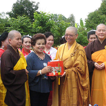 Senior bhikkhunis from Taiwan.