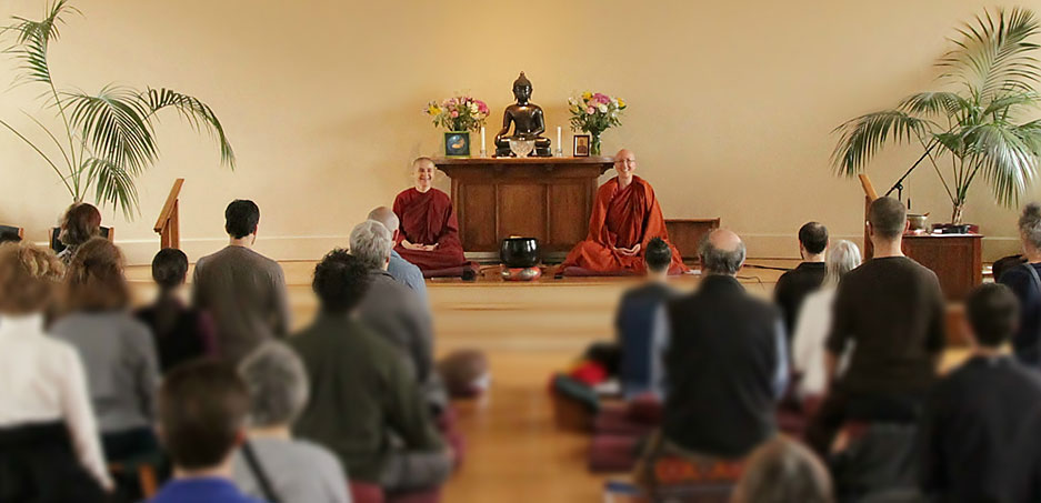 Dhamma talks by Aloka Vihara bhikkhunis