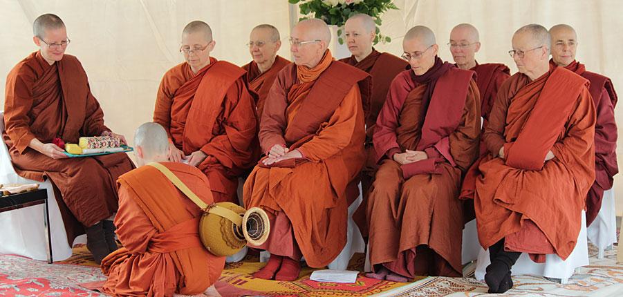 bhikkhuni monastic training