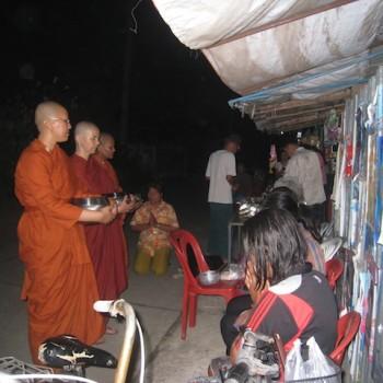 Ayya Santacitta with two bhikkhunis from Wat Songdhammakalyani, Nakhon Pathom, Thailand, Feb 2013