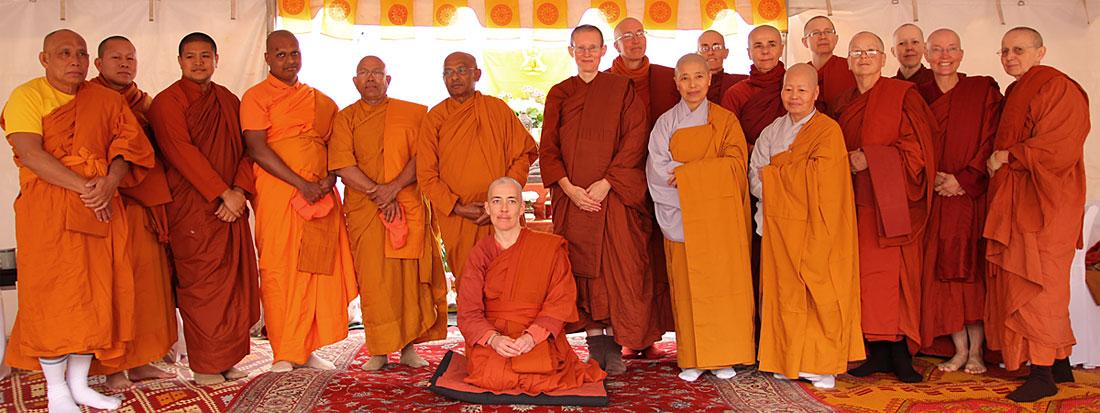 monastic etiquette for bhikkhunis