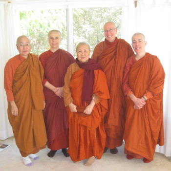 Bhikkhunis Uttama and Susila visit from Southern CA.
