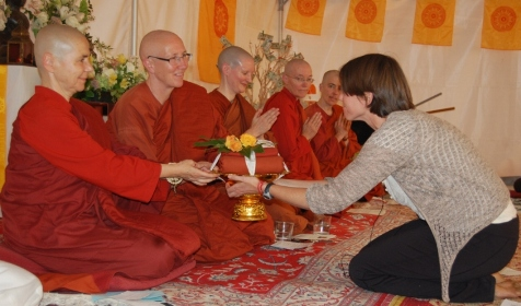 Emily Carpenter at Aloka Vihara Almsgiving with Aloka Vihara bhikkhunies